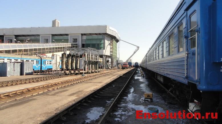 фото поездов и железнодорожного вокзала