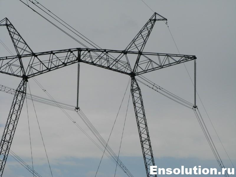 Высоковольтная линия электропередач 750 кВ
