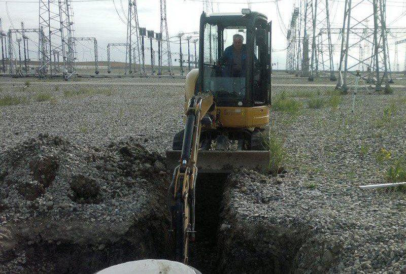 Рытье траншеи для канализации