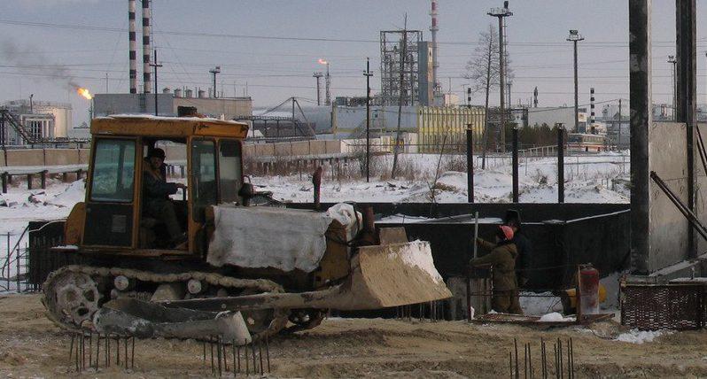 Бульдозер на объекте строительства